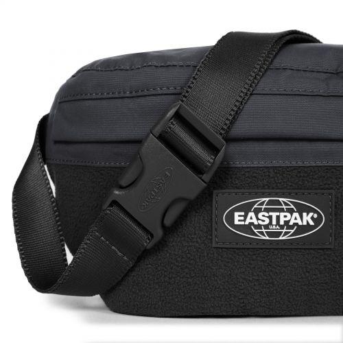 Springer Fleeced Black Default Category by Eastpak