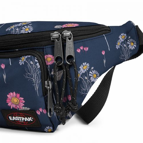 Page Wild Navy Default Category by Eastpak