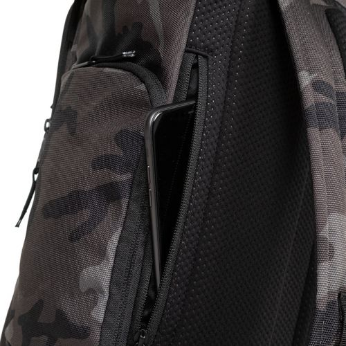 Tecum Top Cnnct Camo Default Category by Eastpak
