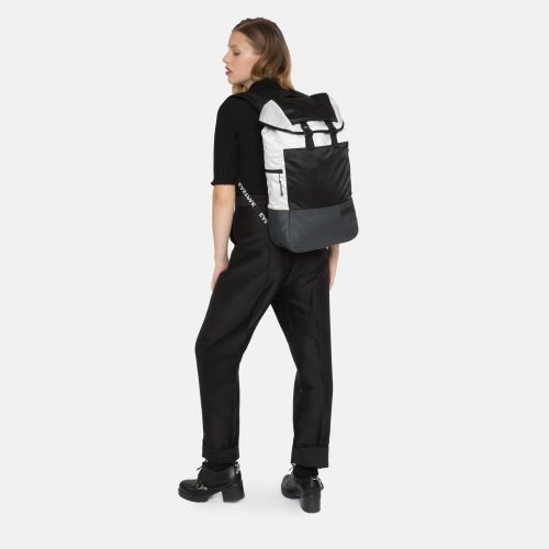 Bust Contrast White Sport by Eastpak - view 2