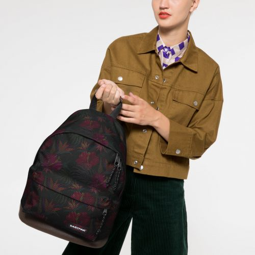 Wyoming Mesh Black Hibiscus Study by Eastpak - view 2
