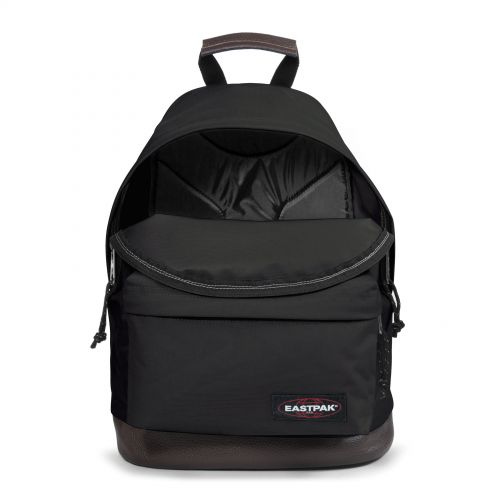 Wyoming Black Basic by Eastpak - view 3