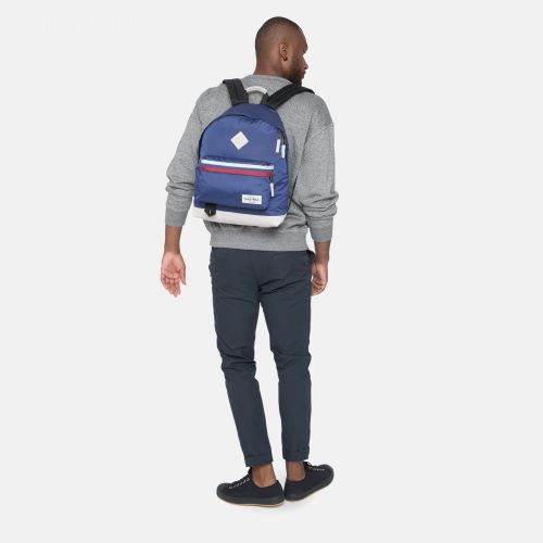 Wyoming Into Retro Blue Into the out by Eastpak - view 5