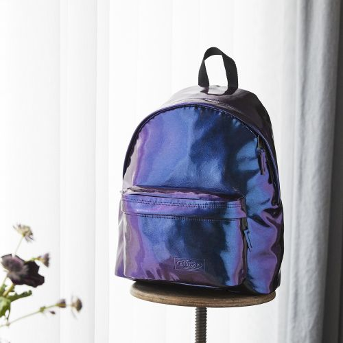 Padded Pak'r® Pearl Purple Pearlescent by Eastpak - view 9