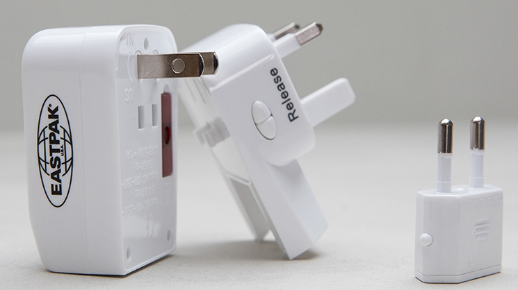 GET A FREE TRAVEL ADAPTOR WITH YOUR LUGGAGE  SHOP NOW 4ab4e1dcf9d
